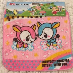 SET of 4 Cute Wash Cloths (p)